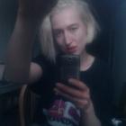 20140112 Chloe Zeegen selfie_400x400